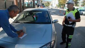 Kemer takmayan ve telefonla konuşan sürücülere cezai işlem