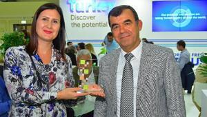 En sadık partner ödülü AKİBe
