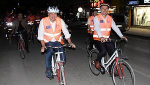 Başkanlar bisiklete bindi