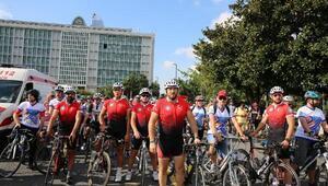 """Yüzlerce bisikletli """"Trafikte biz de varız"""" dedi"""