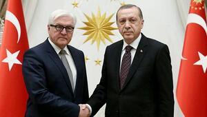 İki vekil Almanyanın Erdoğan onuruna vereceği yemeğe katılmayacağını açıkladı