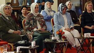 Emine Erdoğan, Bezmialem Valide Sultan Söyleşisine katıldı