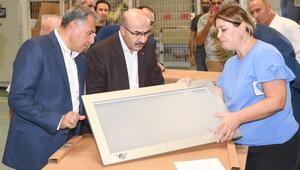 Vali Demirtaş, AOSBdeki firmaları ziyaret ederek incelemelerde bulundu