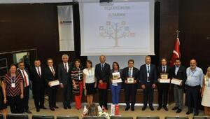 Aile şirketlerinin sürdürülebilirliği Adana'da masaya yatırıldı