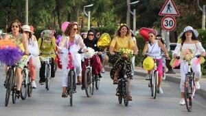 Kırıkkalede süslü kadınlar bisiklet turunda