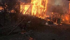 Kastamonuda 9 ev, 1 ahır yandı (2)
