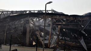 Süt fabrikasındaki yangında bilanço gün ağarınca ortaya çıktı