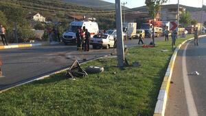 Otomobil direğe çarptı: 1 ölü, 2si çocuk 4 yaralı