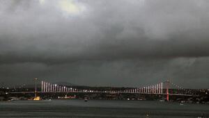 Meteoroloji uyarmıştı Ve başladı... İstanbulda seferler iptal...