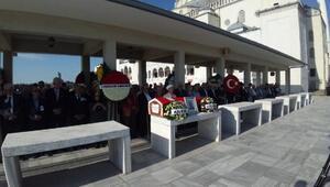Emekli Büyükelçi Kaya Toperi son yolculuğuna uğurlandı (2)