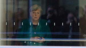 Almanyada Merkeli sarsan siyasi deprem