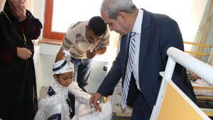 Demirkoldan sünnet olan çocuklara ziyaret