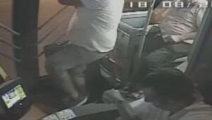 Otobüs yolcusu camdan giren maganda kurşunu ile kolundan vuruldu