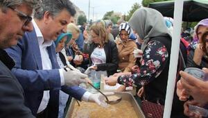 AK Parti, Geliboluda bin kişilik aşure dağıttı