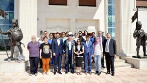 Kazakistanlı gazeteciler Sankoda