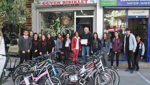 Türkçe isim kullanan esnaflara teşekkür belgesi