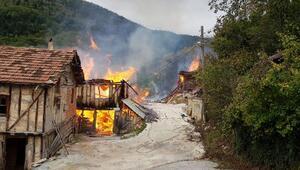 Kastamonuda 8 ev ve 1 ahır yandı