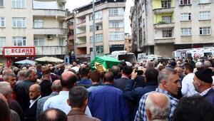 Emekli albayın öldürdüğü oğlu, toprağa verildi