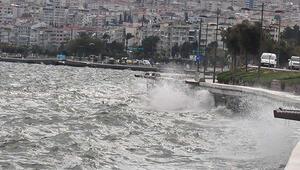 İzmirde fırtınaya karşı kırmızı alarm