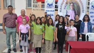 Ortaokul öğrencileri, kanser hastaları için saçlarını kestirdi