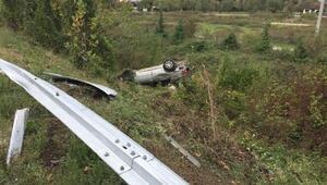 Sigara izmaritini araçtan atarken kaza yaptı: 1 yaralı