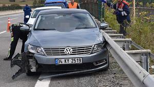 Sır ölüm:  Kaza yapan arabada başından vurulmuş...