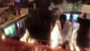 (Olay anı görüntüsüyle) - Ünlü et lokantasında alev şov faciayla sonuçlanıyordu