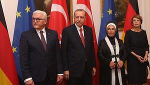 Cumhurbaşkanı Erdoğandan Almanyada flaş açıklamalar