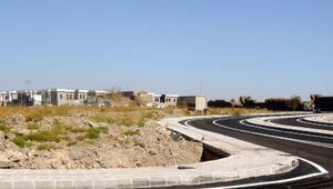 Surda yeniden inşa edilen mahallede konut yapımı tamamlandı
