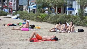 Marmariste fırtına öncesi plajlar doldu
