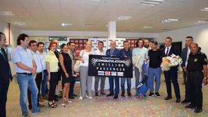 Gazipaşa-Alanya Havalimanı 1 milyonuncu yolcusunu karşıladı