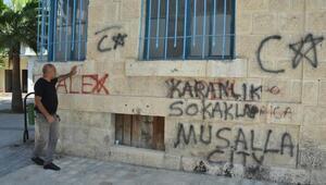 Tarihi binalara yazılan yazılara tepki