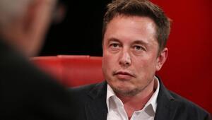 Çılgın iş adamı Elon Musk istifa ediyor