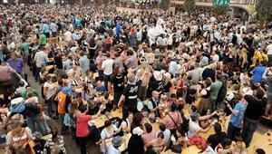 Bira festivalinde çıkan kavgada bir kişi hayatını kaybetti
