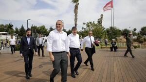 Bakan Ersoy ve Başkan Türel Konyaaltı Sahilini gezdi