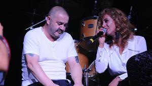 Niran Ünsal ile Şafak Sezer düet yaptı