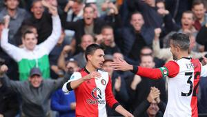 Van Persienin müthiş frikiği Feyenoorda 3 puanı getirdi