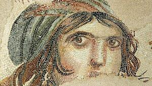 Çingene Kızı mozaiği nerede