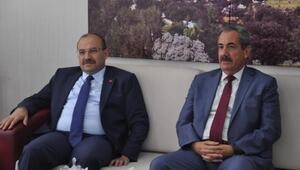 Bitlis Valisi Ustaoğlu Adilcevaz'da asayiş toplantısı düzenledi