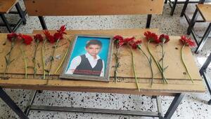 Kazada ölen Mustafaya sınıf arkadaşlarından veda