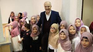 Başkan Kafaoğlu Almanya'da aşure dağıttı