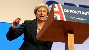 İngiltere başbakanı yine dans etti