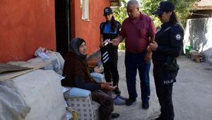 Kendilerini polis ve savcı olarak tanıtıp 80 bin lira dolandırdılar