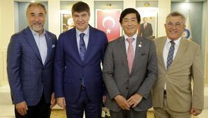 Japon Büyükelçisi festival için Antalyaya geldi