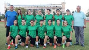 Kemer kadın futbol takımı sezona hazırlanıyor