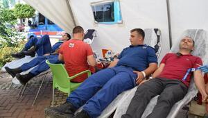 Jandarma kan bağışında bulundu
