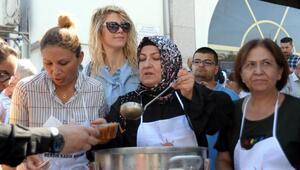 AK Parti Mersin İl Başkanlığından aşure etkinliği