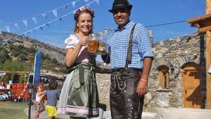 Datçada Almanlar Ekim Festivalinde buluştu