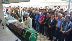 Düğün konvoyundaki kazada ölenler, Bursada son yolculuğa uğurlandı