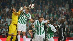 Konyada çılgın maç 4 gol, 2 penaltı, 13 sarı, 1 kırmızı kart...